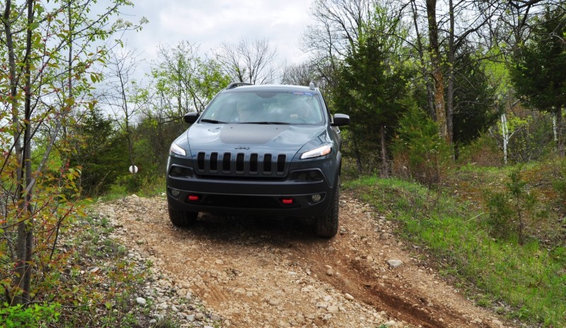 Off-Road Test Review - 2014 Jeep Cherokee Trailhawk On Some Tough and Rocky Trails 8