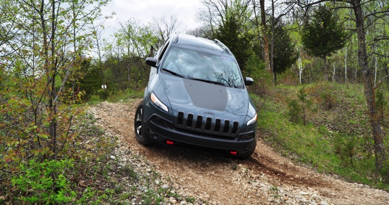 Off-Road Test Review - 2014 Jeep Cherokee Trailhawk On Some Tough and Rocky Trails 9