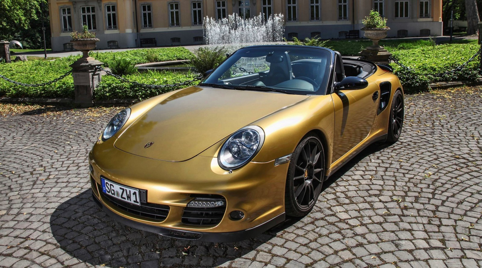 black gold 840hp 226mph porsche 911 turbo cabrio by. Black Bedroom Furniture Sets. Home Design Ideas