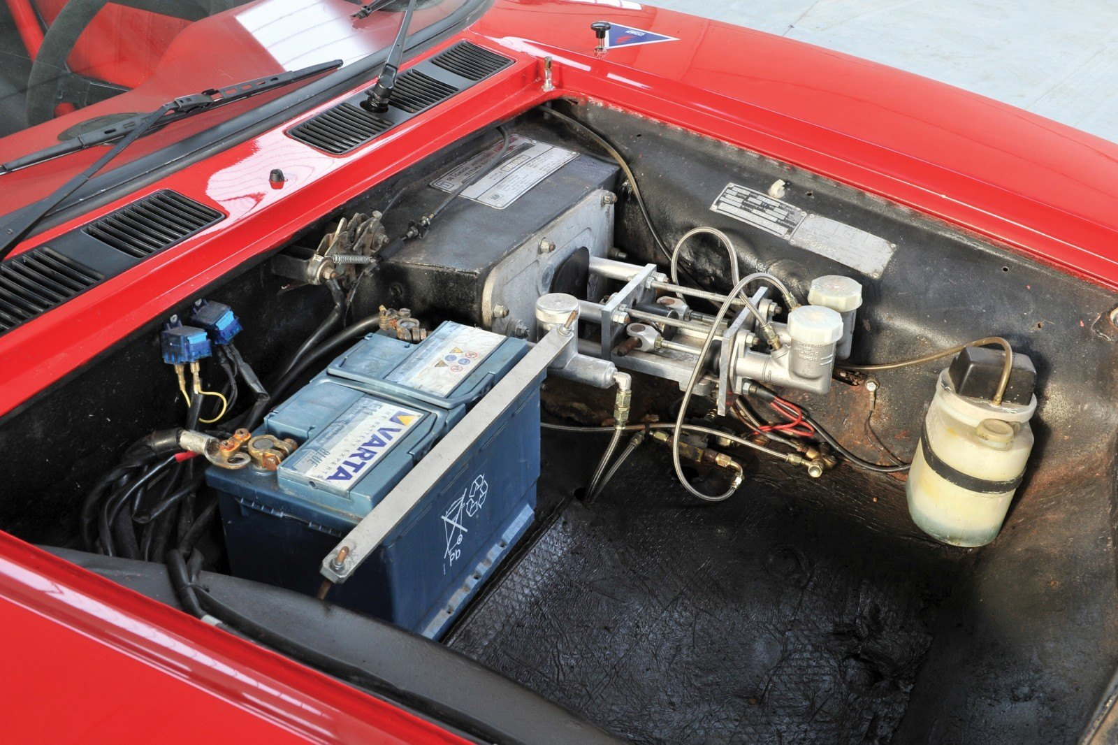 RM Auctions Monaco 2014 Highlights - 1973 DeTomaso Pantera Rally Special Is Low-Brow Heaven 15