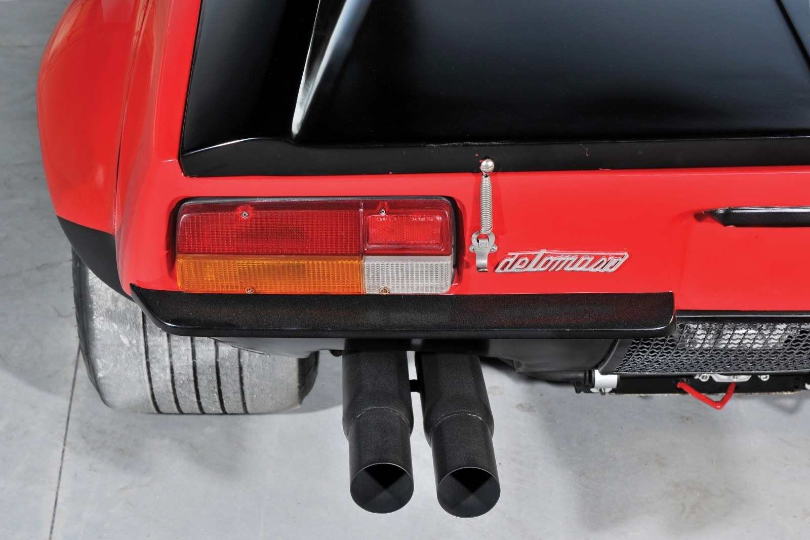 RM Auctions Monaco 2014 Highlights - 1973 DeTomaso Pantera Rally Special Is Low-Brow Heaven 7