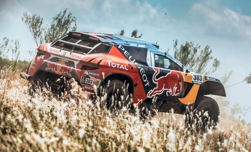 Rally Dakar 2016 Peugeot DKR16 Red Bull 14