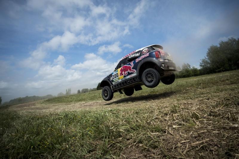 Rally Dakar 2016 Peugeot DKR16 Red Bull 18