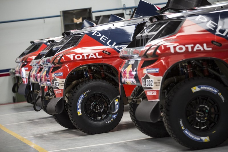 Rally Dakar 2016 Peugeot DKR16 Red Bull 21