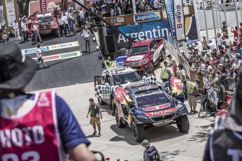 Rally Dakar 2016 Peugeot DKR16 Red Bull 23