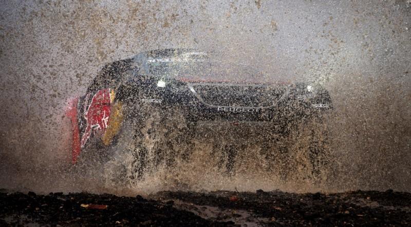Rally Dakar 2016 Peugeot DKR16 Red Bull 28