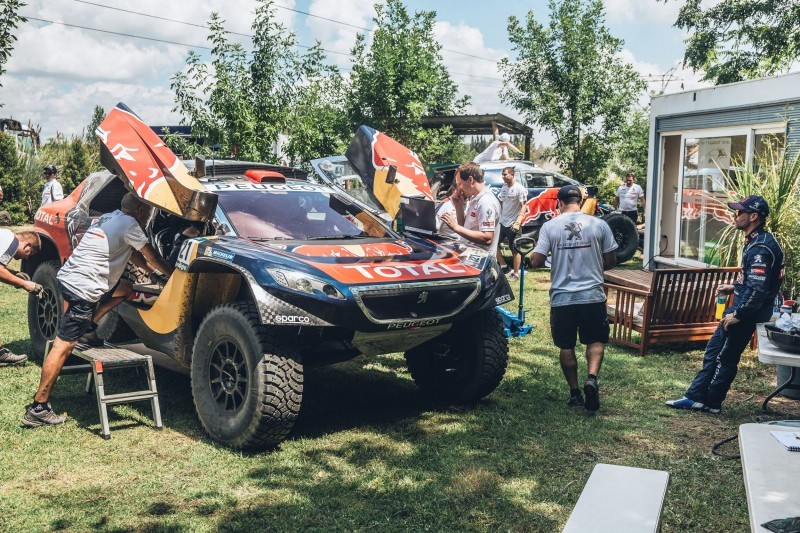Rally Dakar 2016 Peugeot DKR16 Red Bull 3