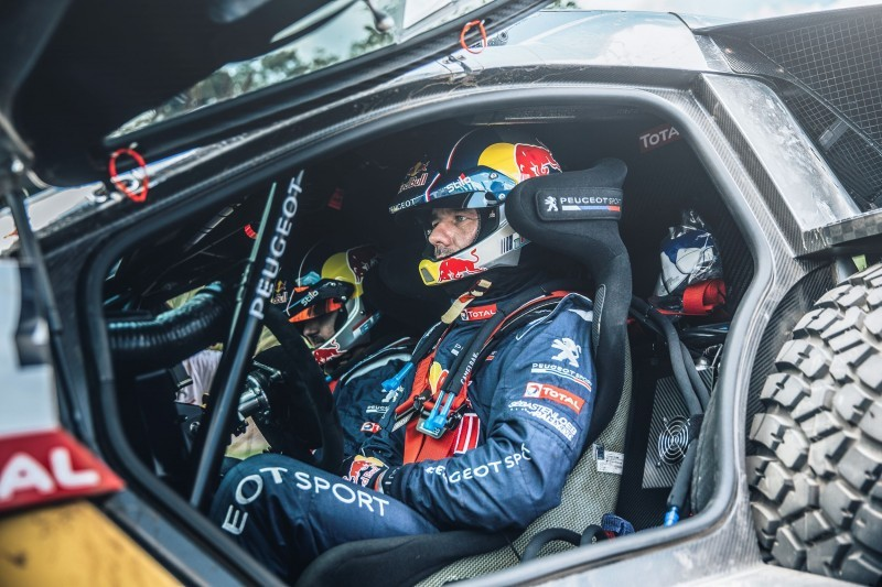 Rally Dakar 2016 Peugeot DKR16 Red Bull 5