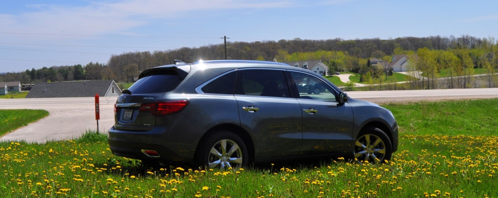 Road Test Review - 2014 Acura MDX SH-AWD Is Premium and Posh 7-Seat Cruiser