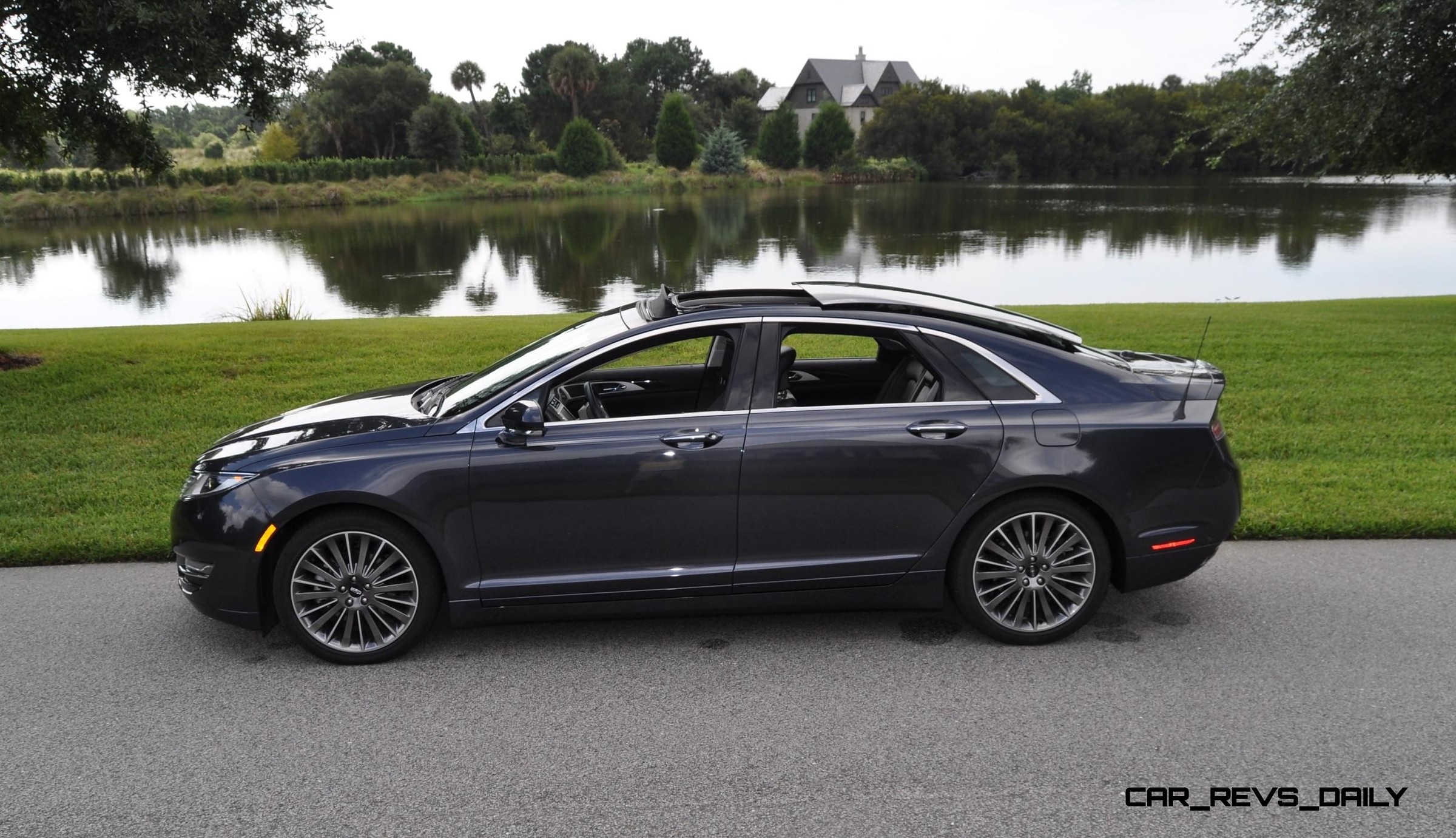 Road-Test-Review-2014-Lincoln-MKZ-3.7-AW