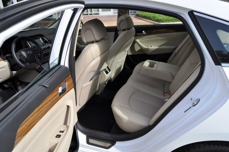 Road Test Review - 2015 Hyundai Sonata - INTERIOR Focus - 2.4L Limited 25