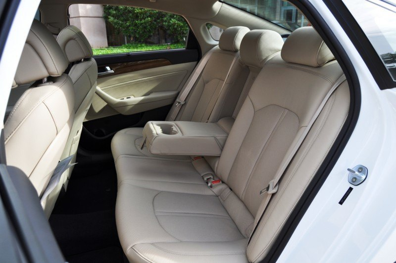 Road Test Review - 2015 Hyundai Sonata - INTERIOR Focus - 2.4L Limited 26