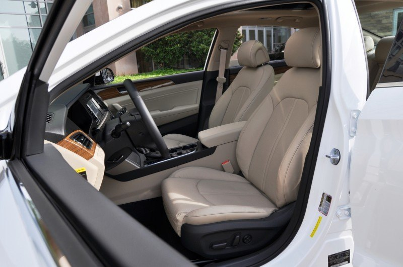 Road Test Review - 2015 Hyundai Sonata - INTERIOR Focus - 2.4L Limited 27