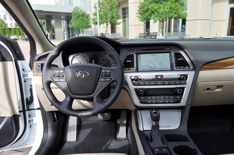 Road Test Review - 2015 Hyundai Sonata - INTERIOR Focus - 2.4L Limited 30