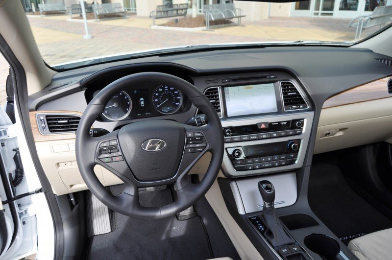 Road Test Review - 2015 Hyundai Sonata - INTERIOR Focus - 2.4L Limited 31