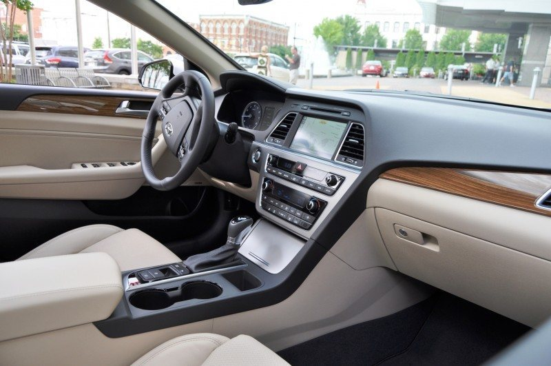 Road Test Review - 2015 Hyundai Sonata - INTERIOR Focus - 2.4L Limited 44