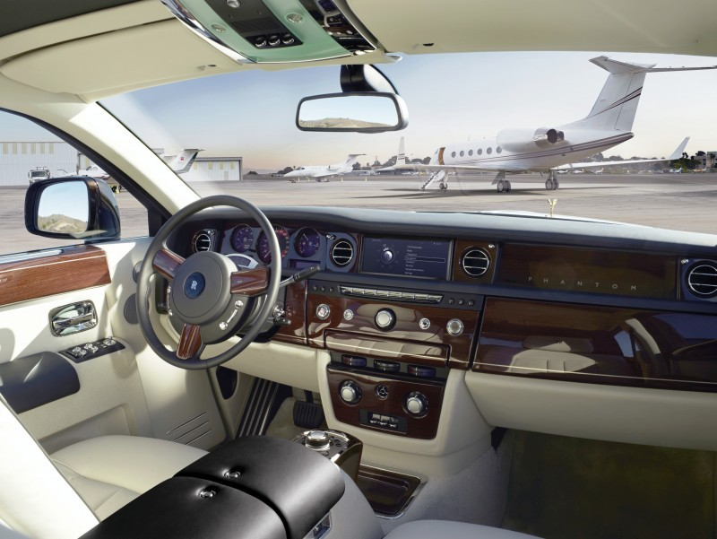 Rolls Royce Phantom II 12
