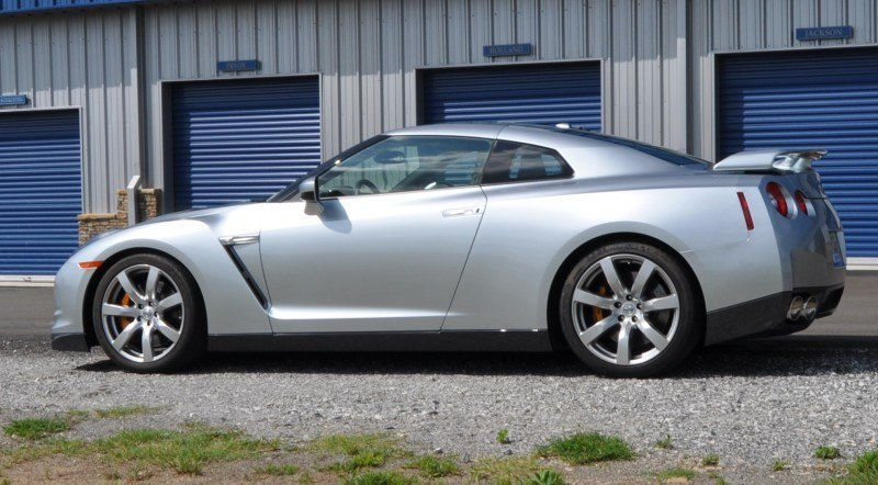 Supercar Hall of Fame - 2011 Nissan GT-R in Super Silver Special Metallic 45