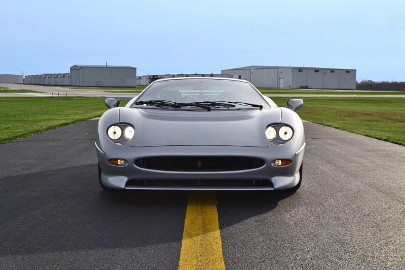 Supercar Icons - 1992 JAGUAR XJ220 Still Enchants the Eye and Mind, 22 Years Later 36