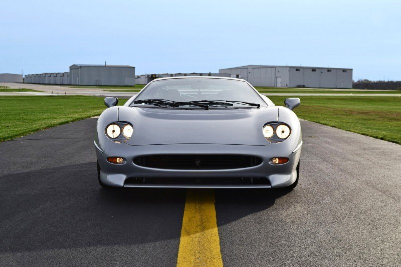 Supercar Icons - 1992 JAGUAR XJ220 Still Enchants the Eye and Mind, 22 Years Later 38