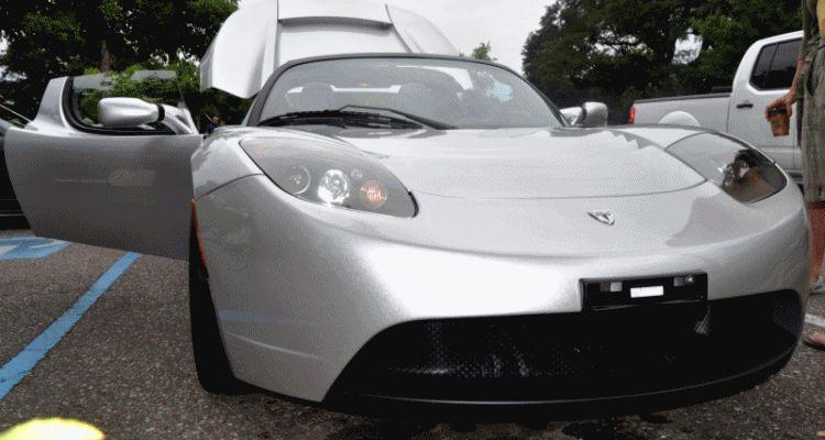 Tesla roadster gif
