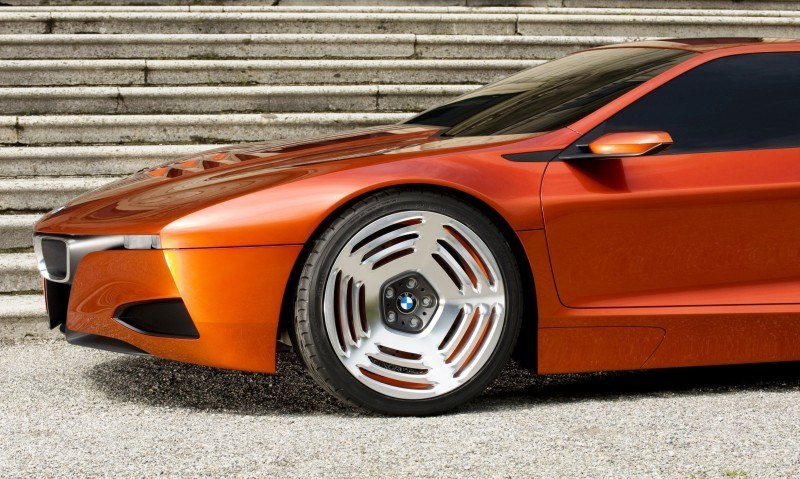 Then and Now - 1980 BMW M1 versus 2008 BMW M1 Hommage 8