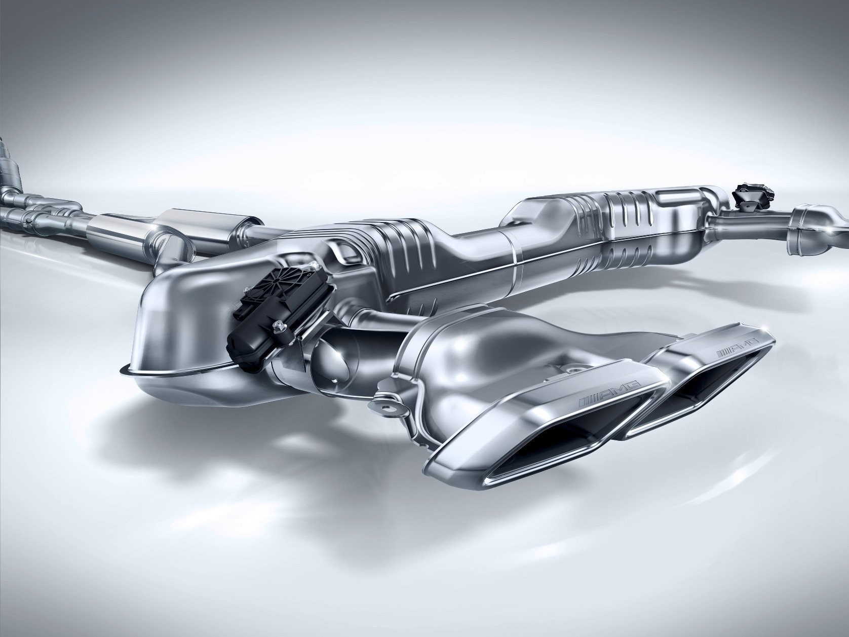 Update1 with 70 new photos 2015 mercedes benz s class coupe for Mercedes benz exhaust