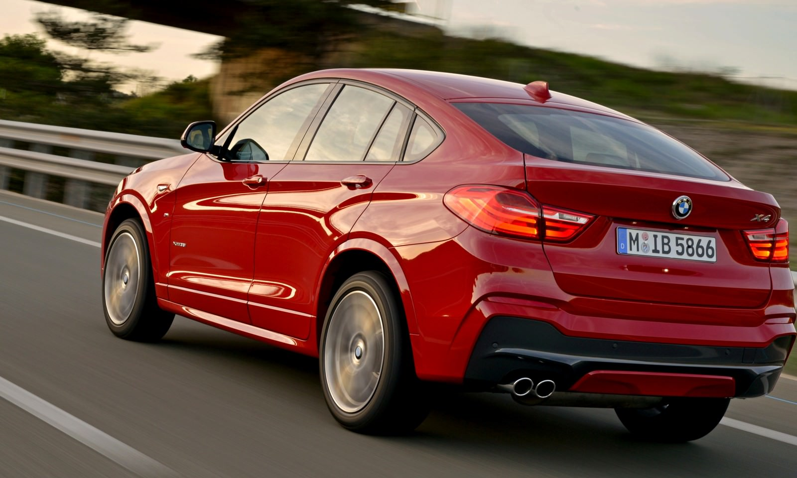 Update2 Debut Photos - 2015 BMW X4 Arriving Now to USA BMW Dealers 13