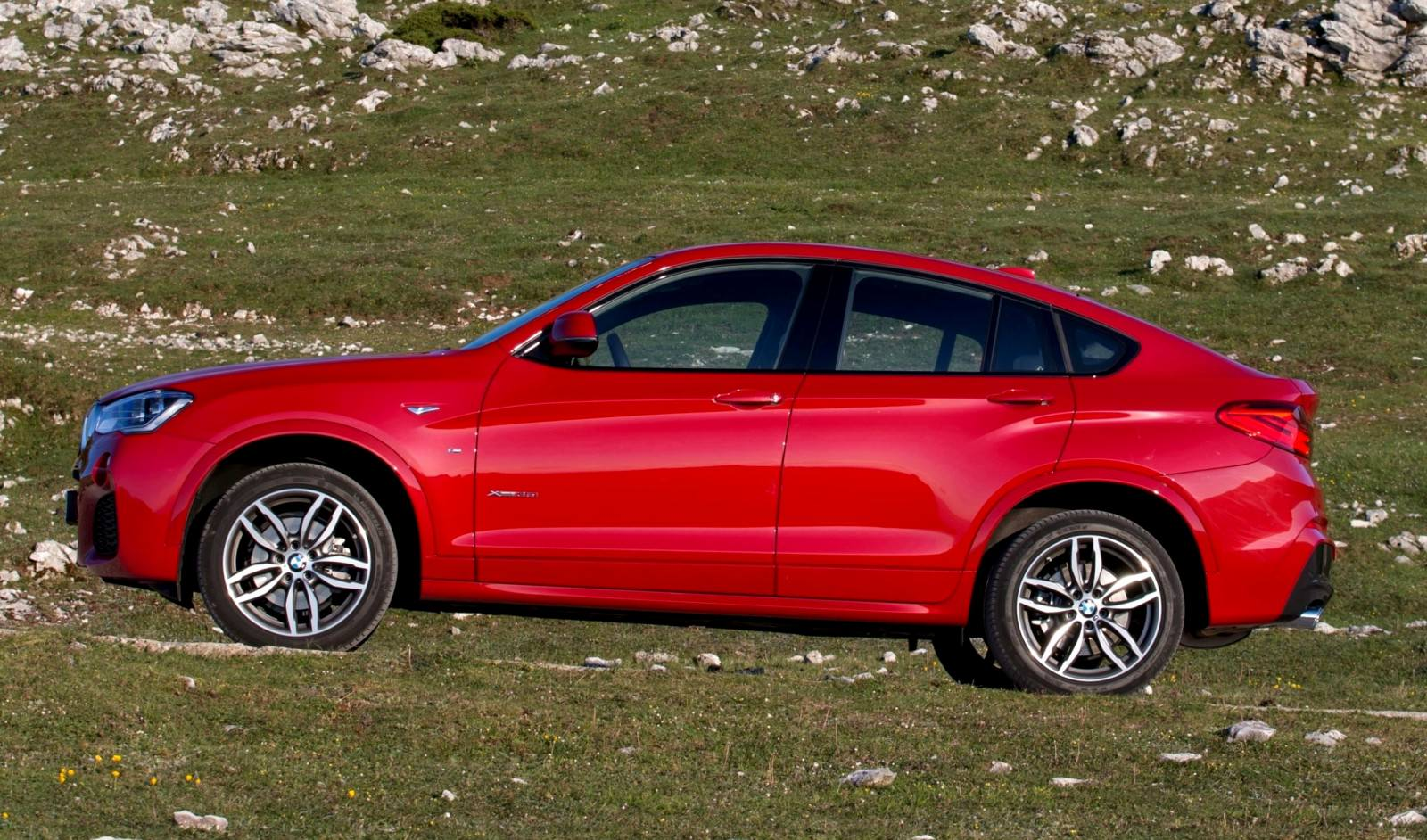 Update2 Debut Photos - 2015 BMW X4 Arriving Now to USA BMW Dealers 3