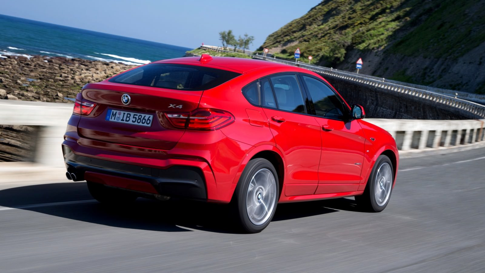 Update2 Debut Photos - 2015 BMW X4 Arriving Now to USA BMW Dealers 39