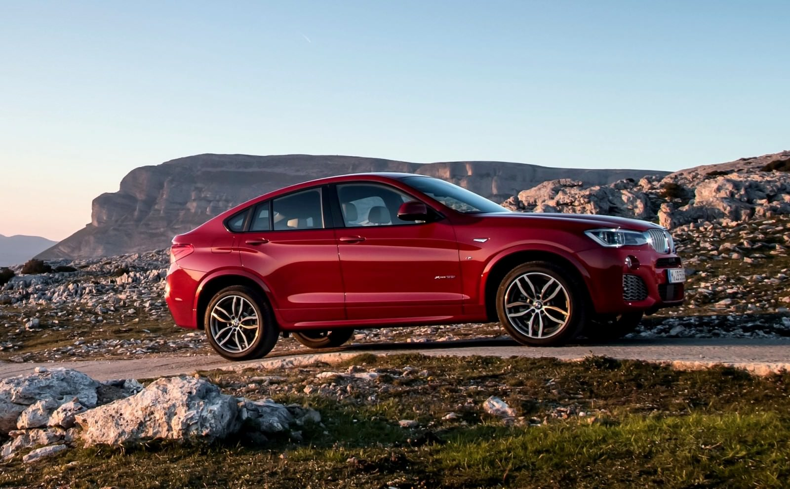 Update2 Debut Photos - 2015 BMW X4 Arriving Now to USA BMW Dealers 7