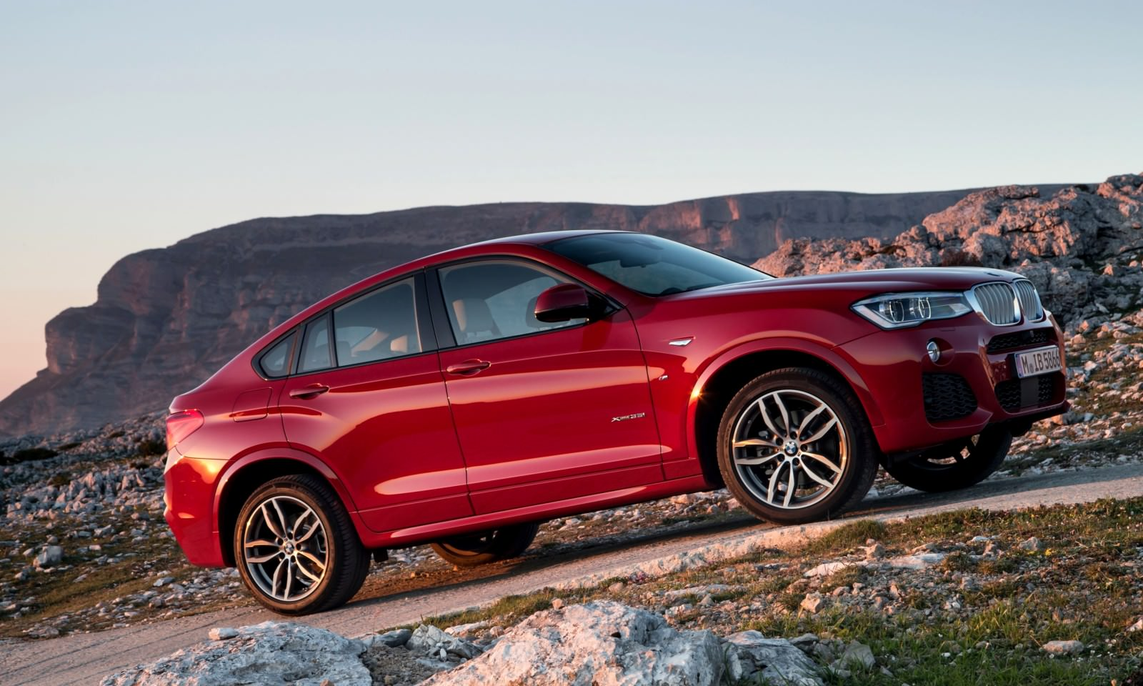 Update2 Debut Photos - 2015 BMW X4 Arriving Now to USA BMW Dealers 8