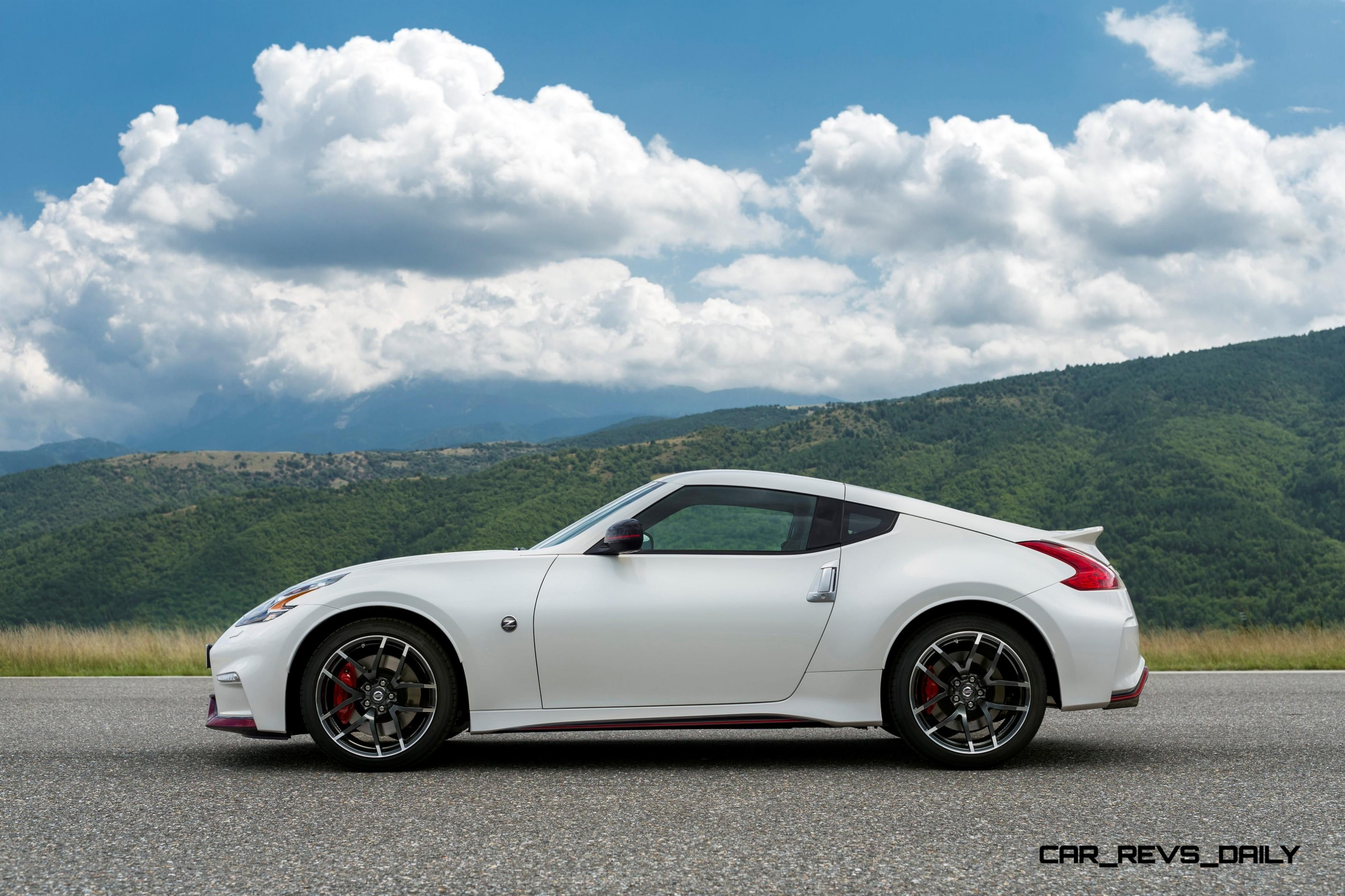 Update2 New Photos! 2015 Nissan 370Z NISMO Facelift
