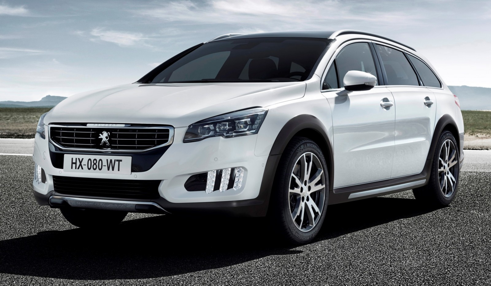 Update2 New Photos - 2015 Peugeot 508 Facelifted With New LED DRLs, Box-Design Beams and Tweaked Cabin Tech 18