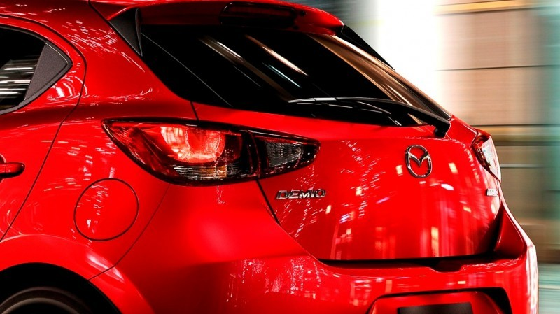 mazda2_cut003_mjo_high_de_soul_red