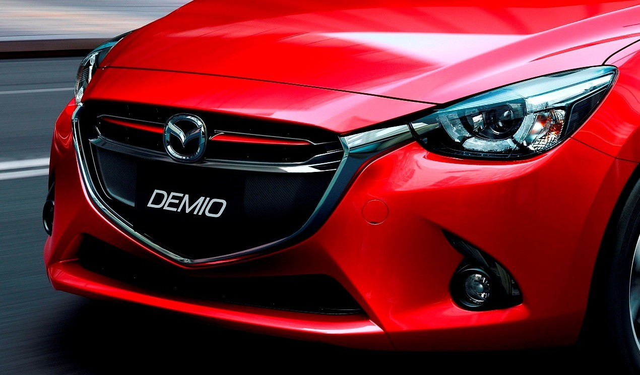 mazda2_cut004_mjo_high_de_soul_red